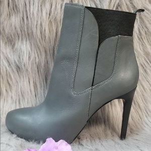 Charles David Gray Boots with heels (7.5)